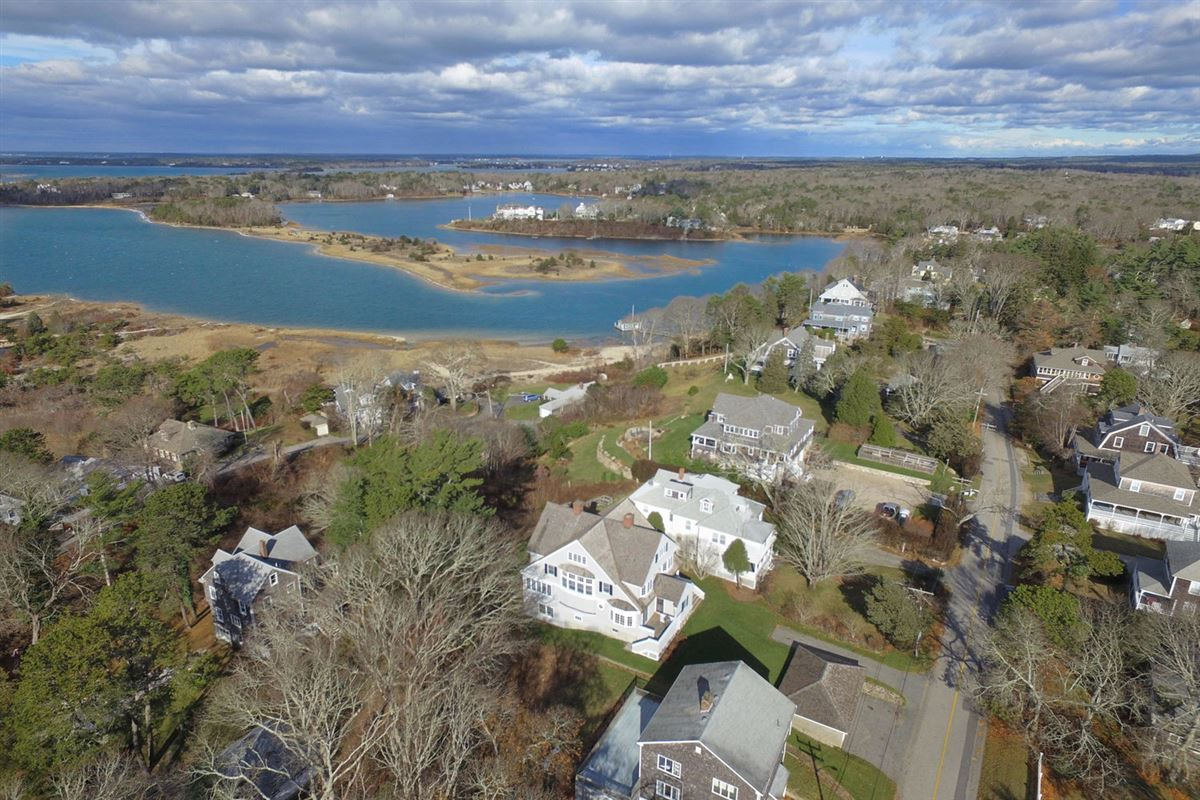 Mansions in Cape Cod home overlooking harbors