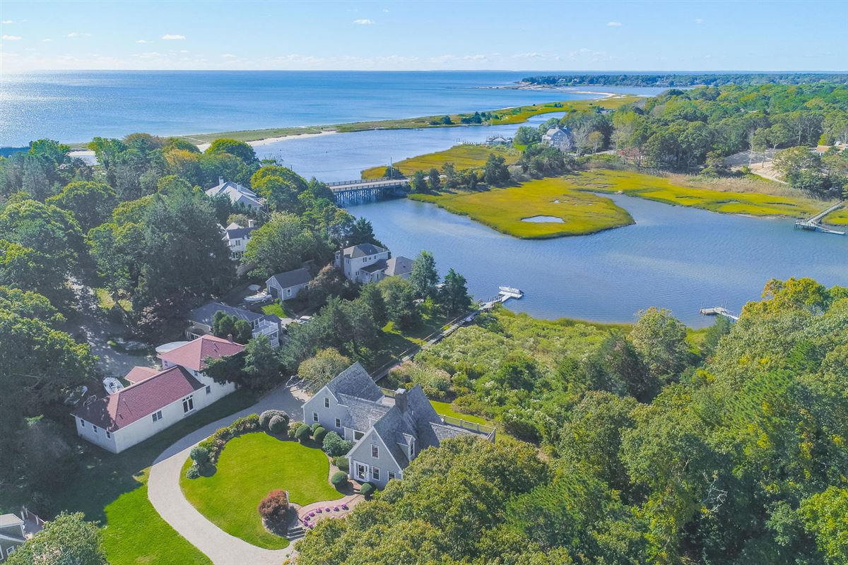 Luxury real estate Stunning waterfront home in centerville