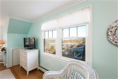 Luxury homes in Cape Cod home overlooking harbors