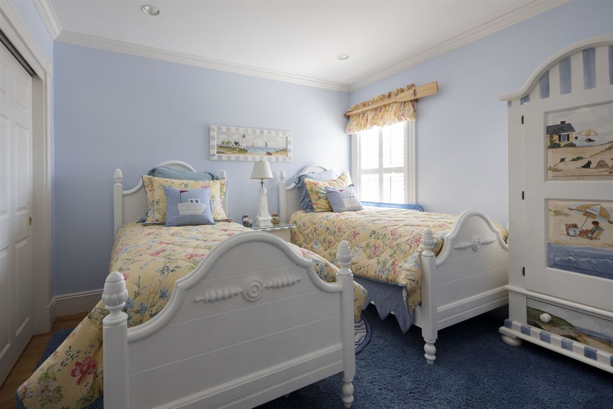 Luxury properties A true masterpiece on Wychmere Harbor