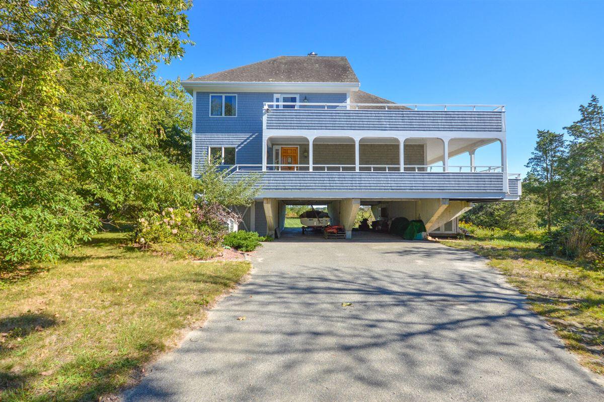 Luxury homes Panoramic views of Buzzards Bay