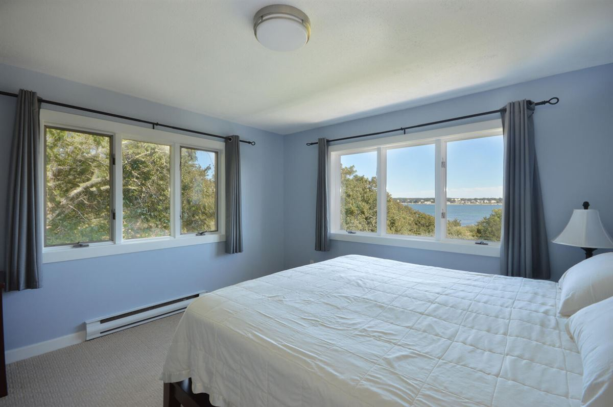Luxury properties Panoramic views of Buzzards Bay