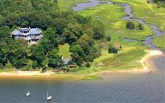 Luxury properties Spectacular two-acre waterfront estate