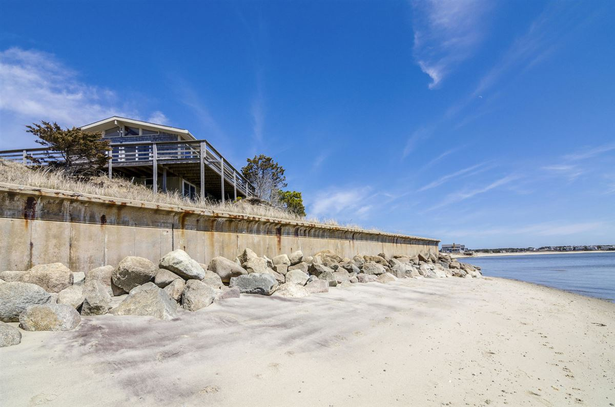 Mansions in 5.72 acres directly on Nantucket Sound