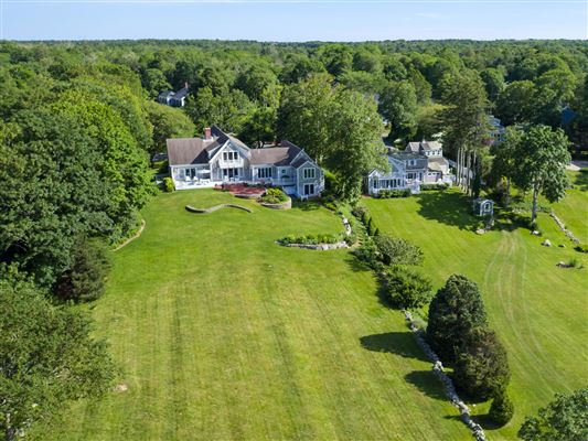 Mansions this enchanting property boasts mesmerizing views