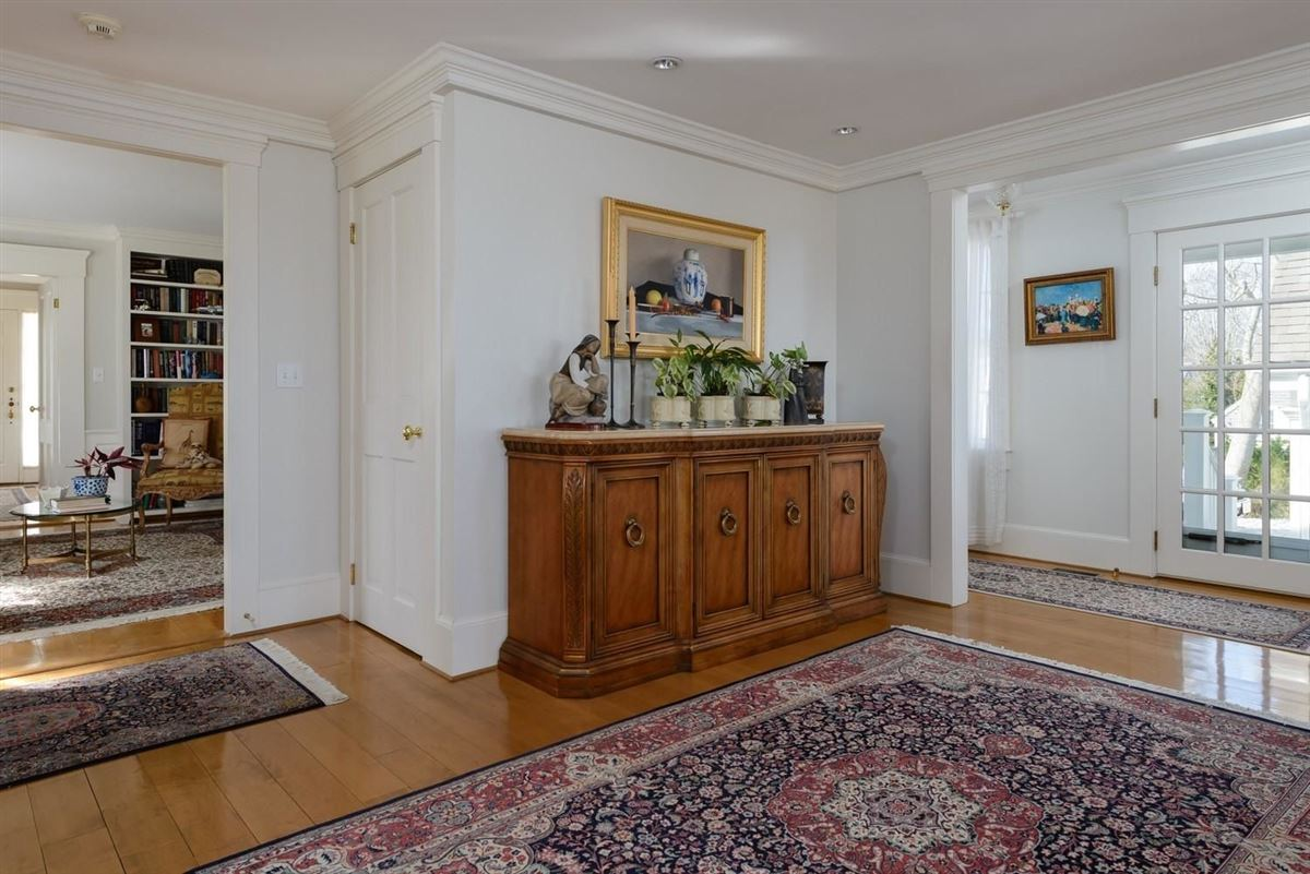 Luxury homes classic Greek Revival on two beautiful acres