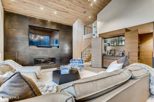 Luxury homes Completely renovated and expanded contemporary home