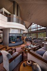 Luxury homes superior contemporary in serene private setting