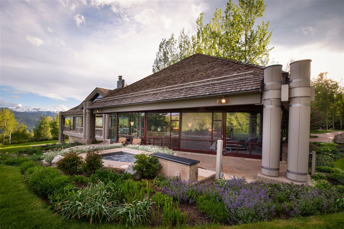 Luxury homes in superior contemporary in serene private setting