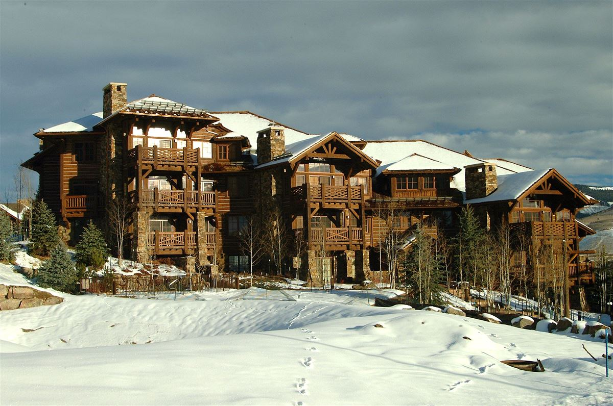 Luxury real estate Ski-in/ski-out w/ Charming architecture | Bachelor Gulch