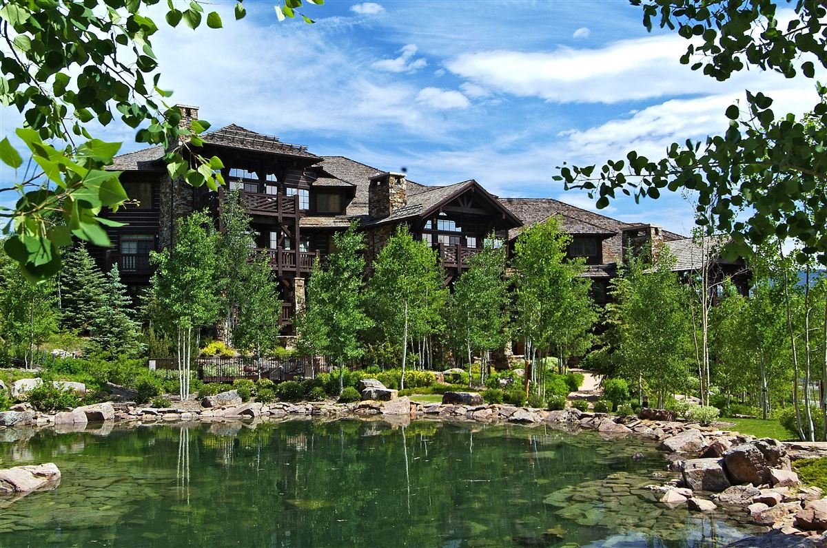 Ski-in/ski-out w/ Charming architecture | Bachelor Gulch luxury real estate