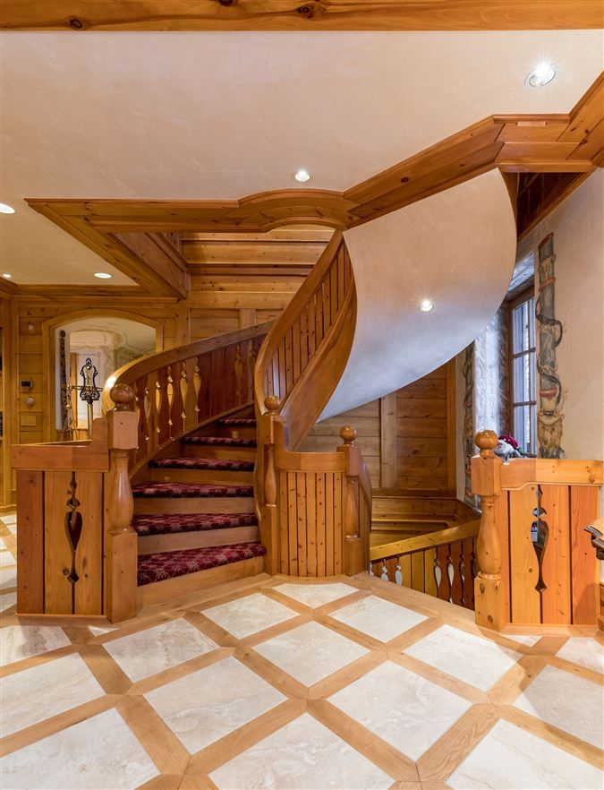 A living work of art in Vail mansions