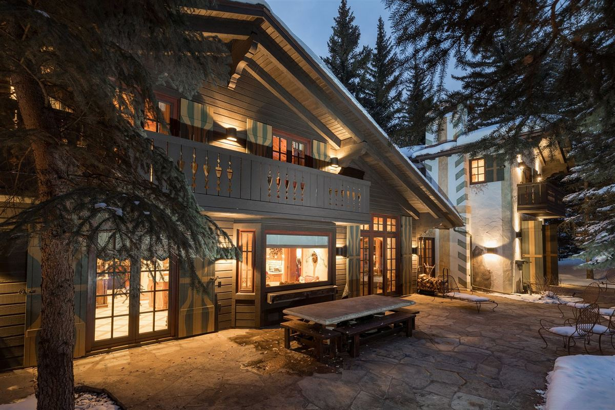 Mansions in A living work of art in Vail
