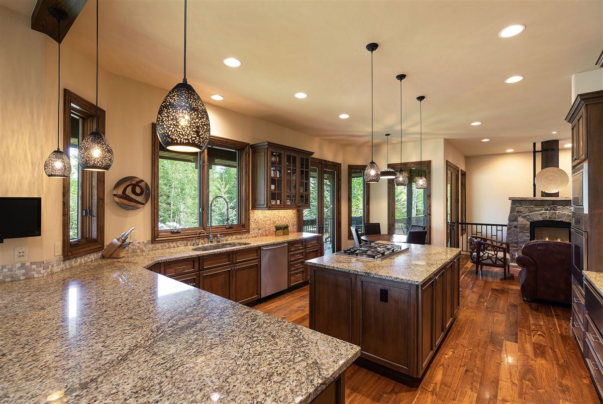 Luxury homes beautiful two-level Ranch Style home