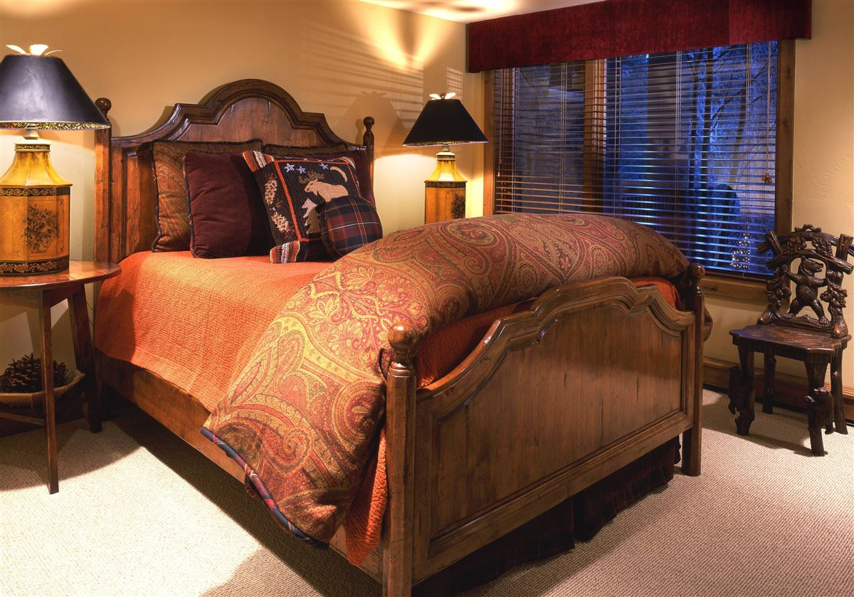 luxurious Vail Village Ski Chalet luxury real estate