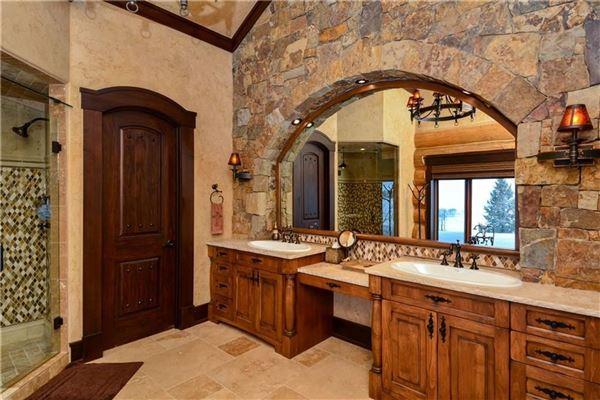 Luxury homes Three Bears Ranch in silverthorne
