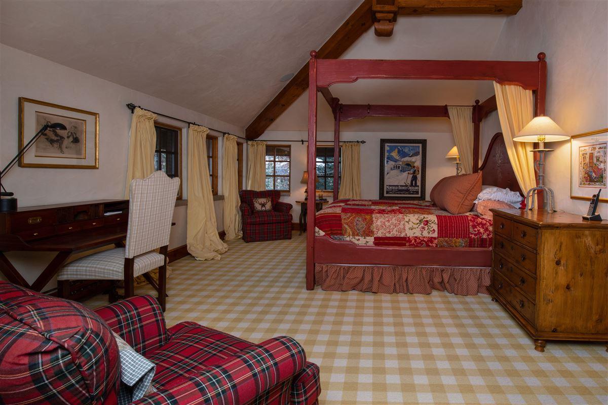 Charming mountain ski home  luxury homes