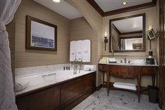 Mansions in turnkey Ritz Carlton luxury home