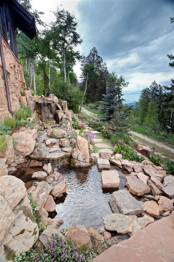 Luxury real estate quintessential mountain retreat with open views