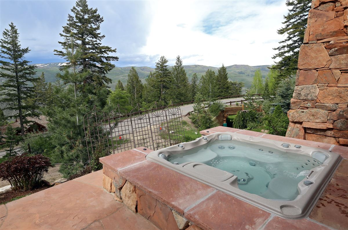 quintessential mountain retreat with open views luxury properties