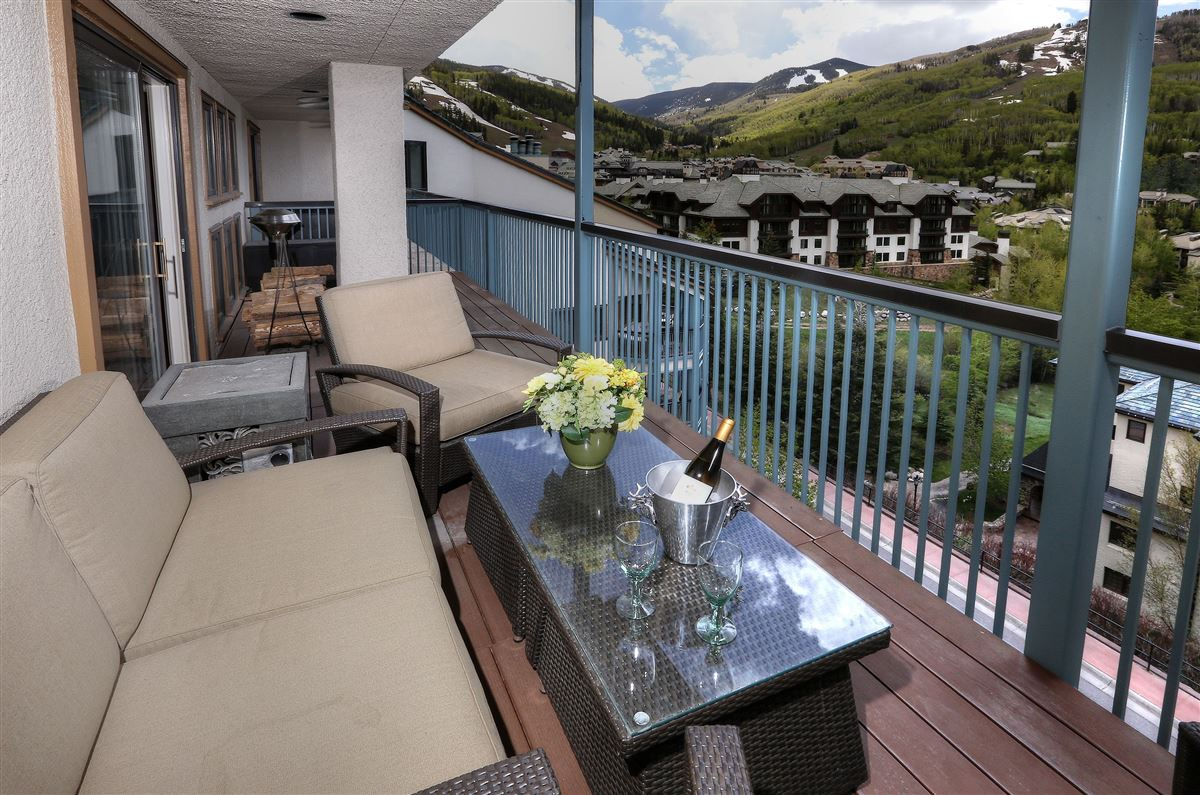 Extensively Remodeled Beaver Creek Condo Colorado Luxury