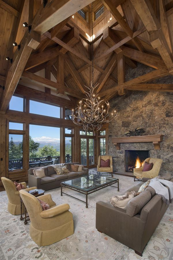Luxury properties Spectacular views of the Gore Range