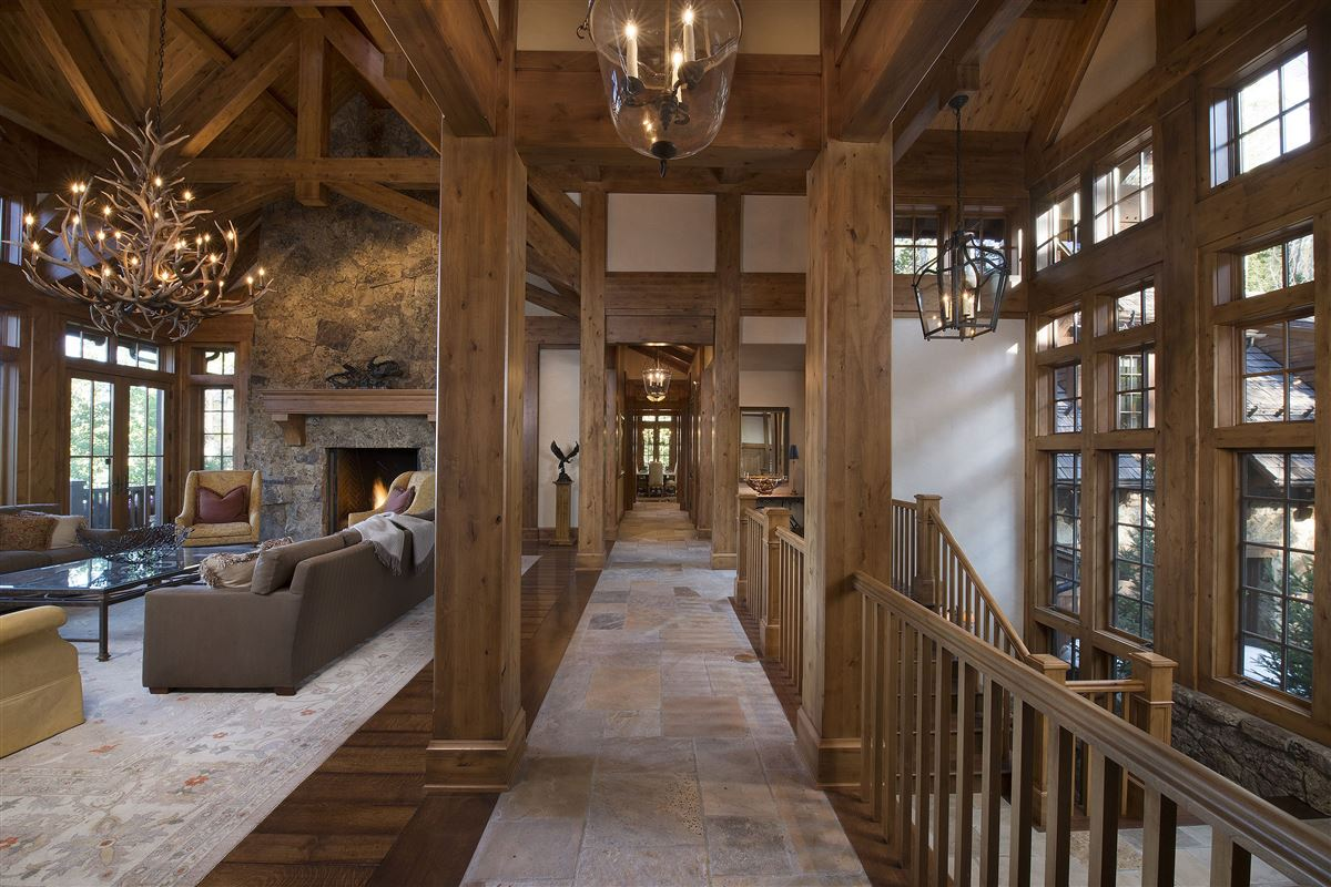 Luxury homes Spectacular views of the Gore Range