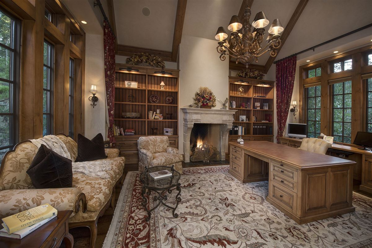 Luxury homes in Spectacular views of the Gore Range
