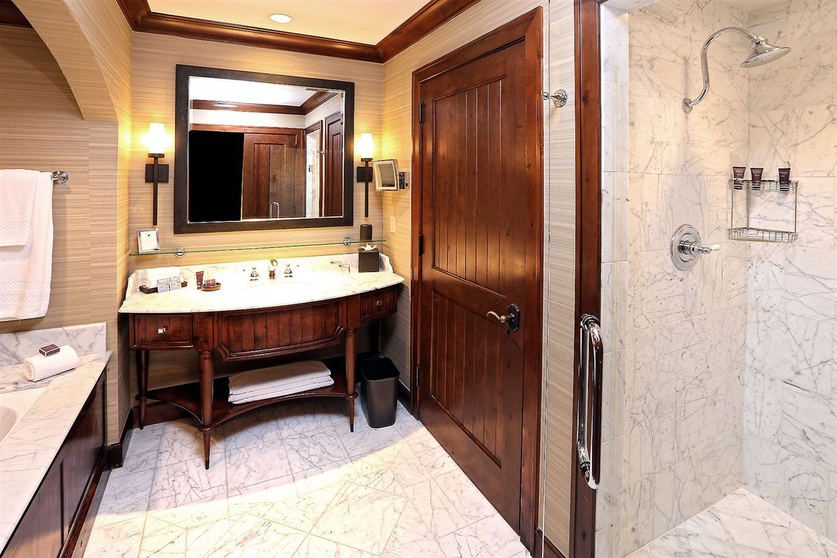 Luxury properties Ritz-Carlton Residential Suite HS325 | Bachelor Gulch
