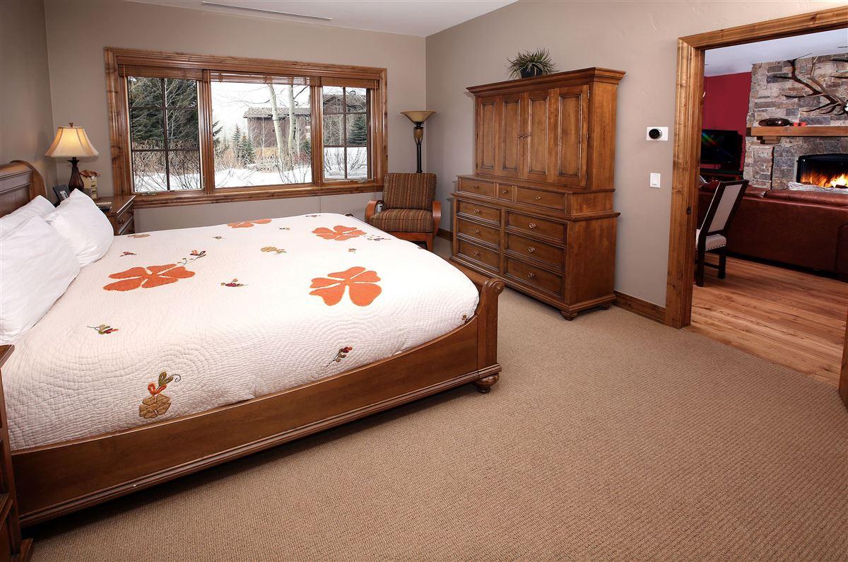 Mansions in Ski Lodge condo