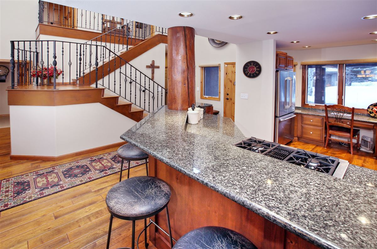Luxury real estate a Beautiful end unit