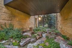 Luxury homes Mountain contemporary off the banks of Gore Creek