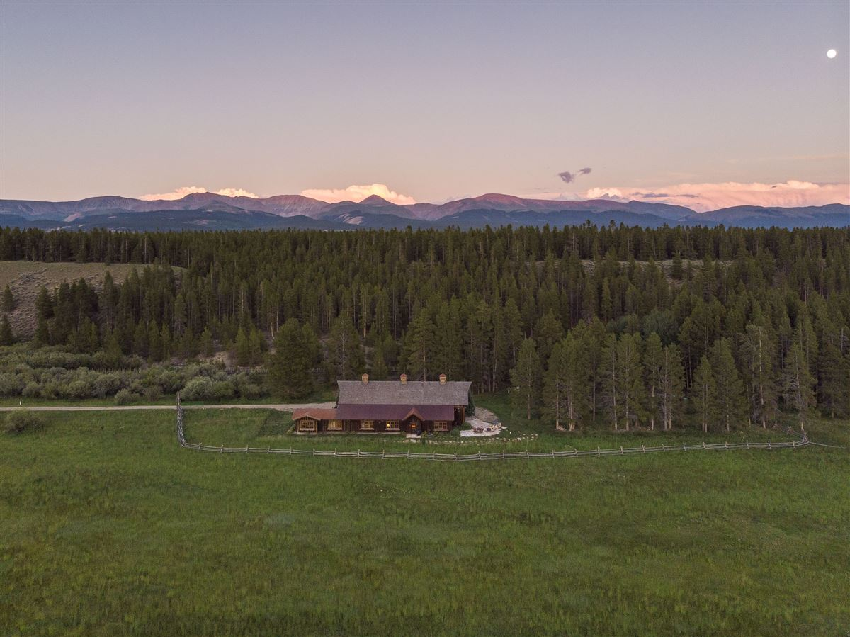 The Wild Horse Ranch luxury homes