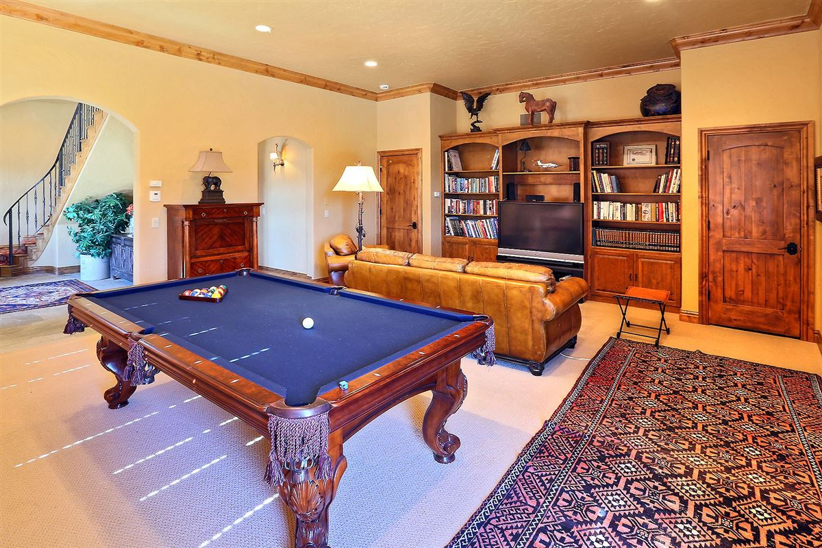 very private home in edwards luxury properties