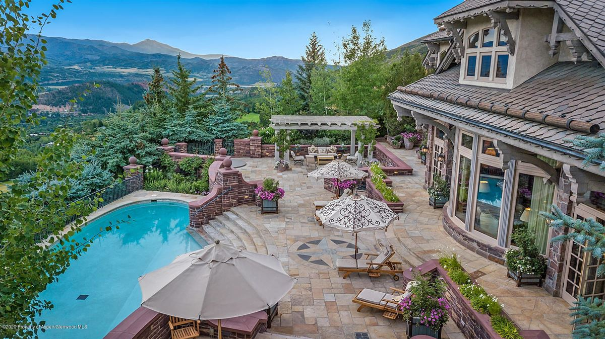 The Peak House in aspen luxury homes