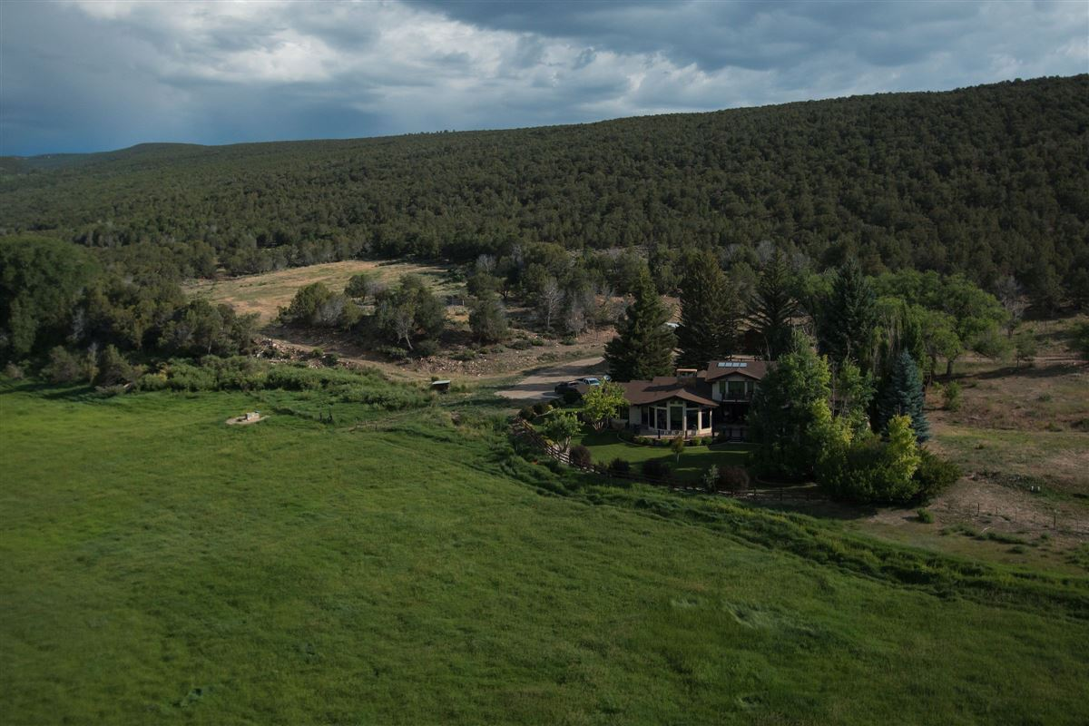 Premier Colorado Legacy Ranch luxury properties