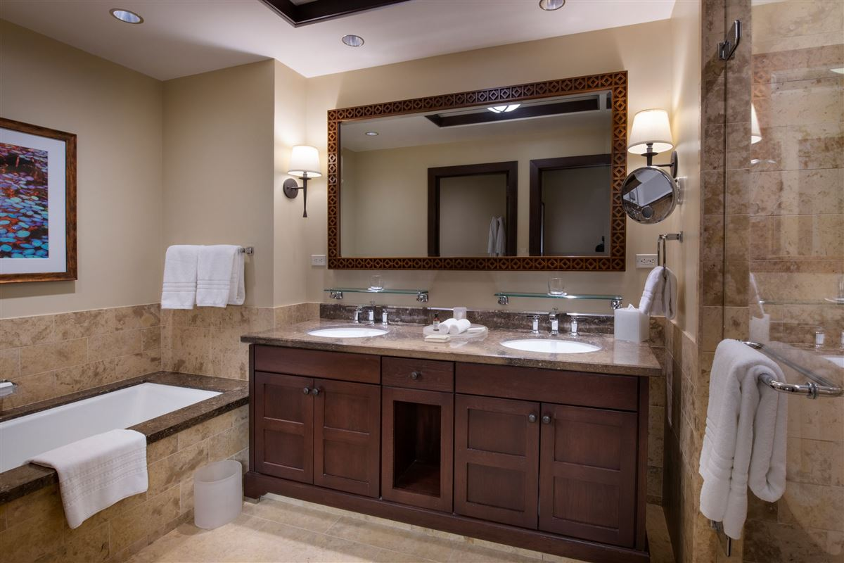 award-winning Four Seasons Resort  luxury properties
