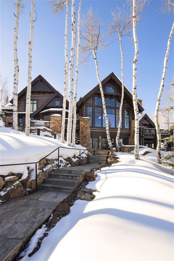 Luxury properties true trophy property on the mountain