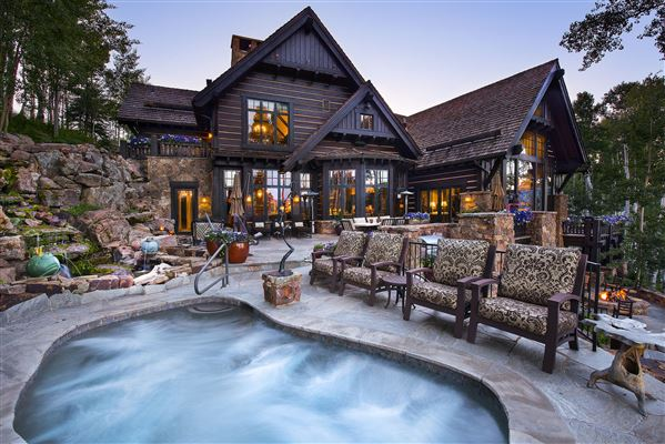 true trophy property on the mountain mansions