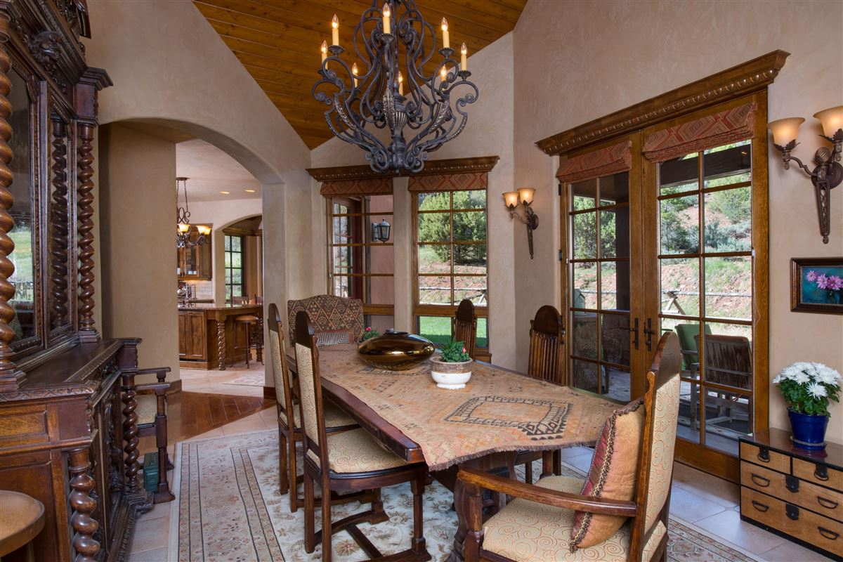 Luxury homes beautiful 40 acre ranch