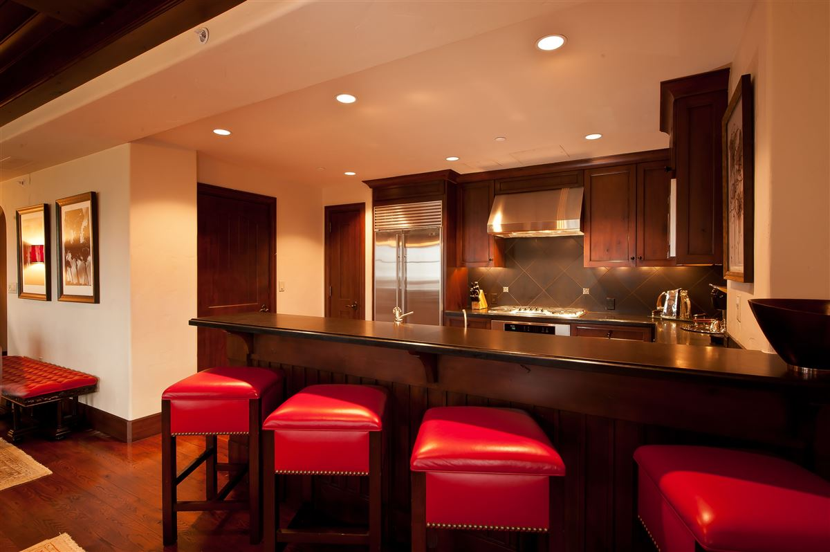 exceptional Ritz-Carlton penthouse luxury real estate