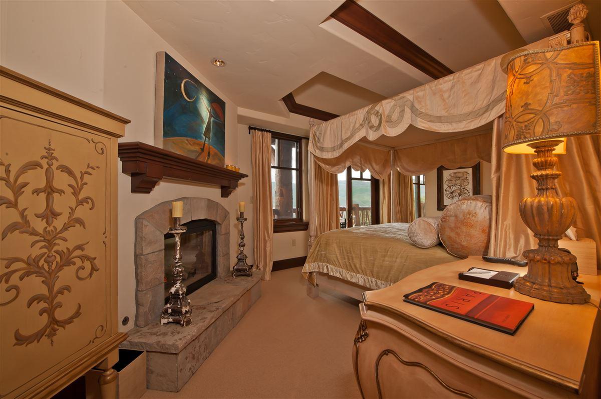 exceptional Ritz-Carlton penthouse luxury properties