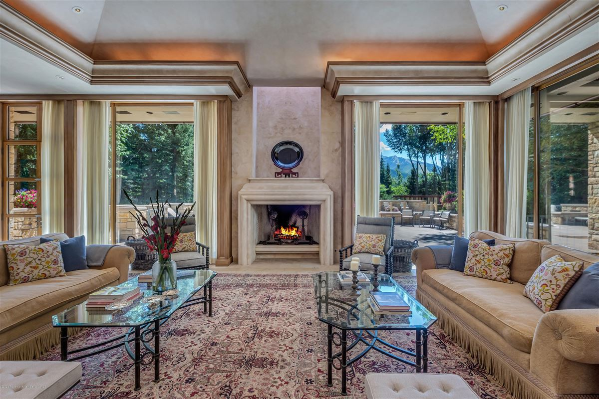 Luxury real estate magnificent Aspen estate