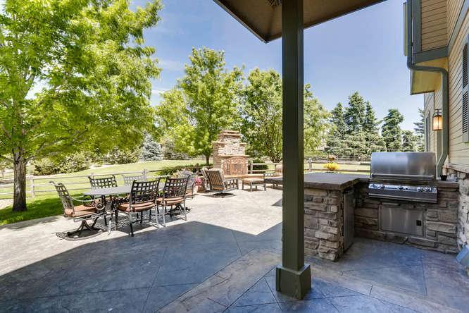 180 degree Views Sitting on 1 acre luxury properties