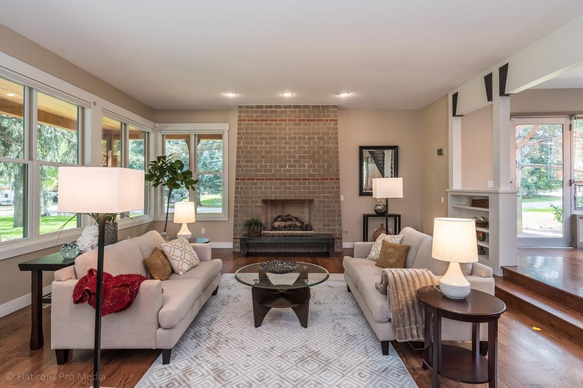 2015 Hermosa Drive luxury properties