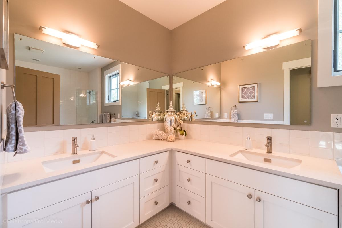 Luxury homes in 2015 Hermosa Drive