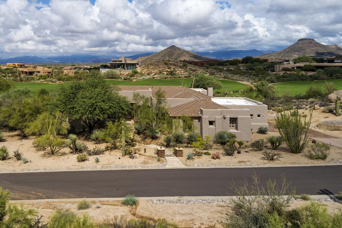 Troon North Golf Course and Mountain Views luxury properties