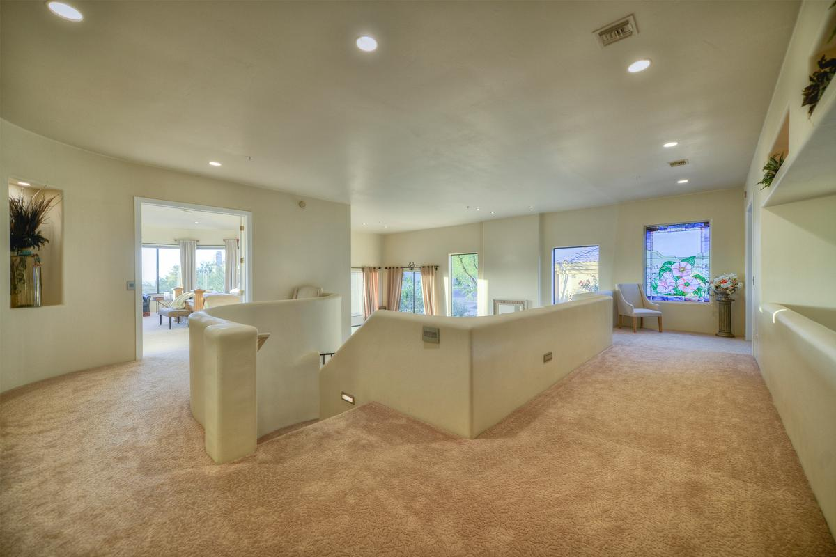 Mansions in Expansive Views in Troon