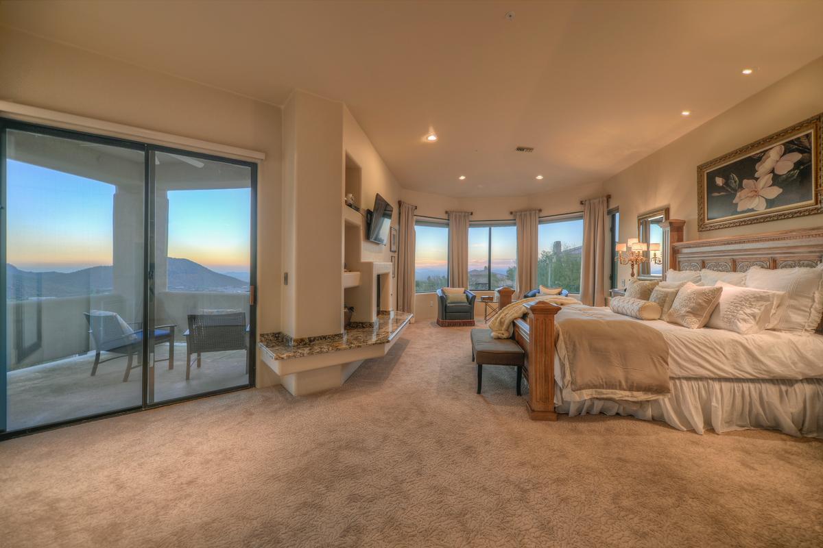 Luxury properties Expansive Views in Troon