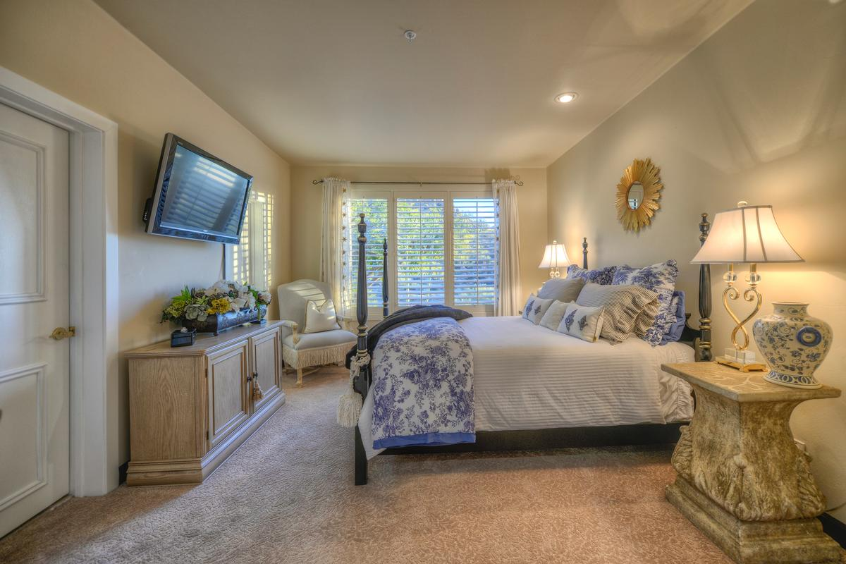 Luxury real estate Expansive Views in Troon